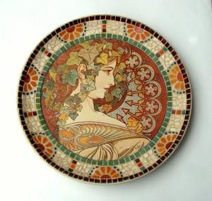 Slika 1 Krožnik secesija, TattooWall in mozaik