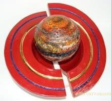 Slika 10: Saturn – keramika, steklo, zlato