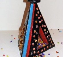 Slika 5: Piramida - keramika in muransko steklo