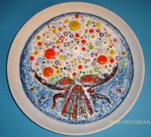 Slika 7: Šopek za nevesto, krožnik - keramika in steklo
