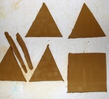 Po načrtu izrežemo dele piramide.