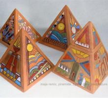 Piramide MR , keramika, podglazura.